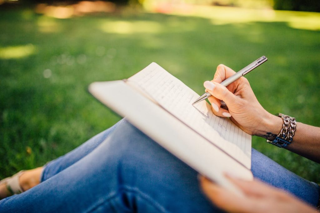 Eight Ways To Manage Stress Naturally Keep A Stress Diary