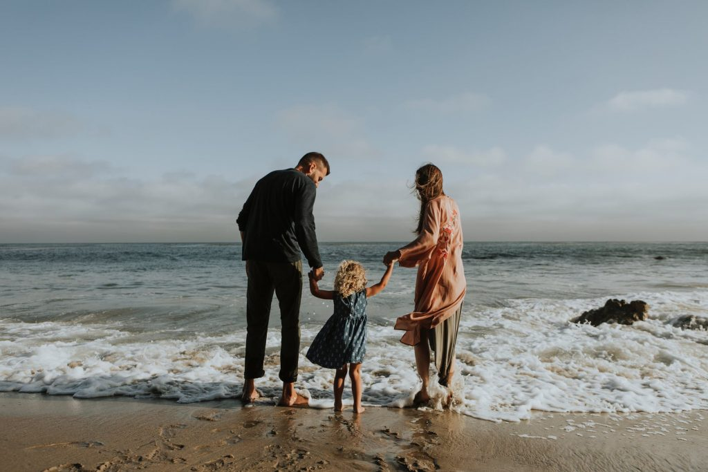 How to be Happy Build Meaningful Relationships with Your Family and Friends